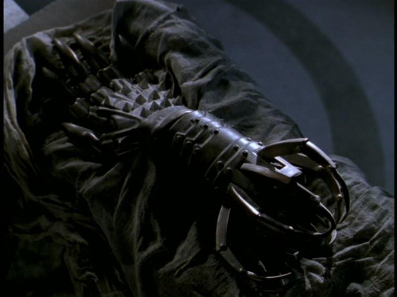 Un'immagine dall'episodio 'Rivelazioni' di Buffy - L'ammazzavampiri