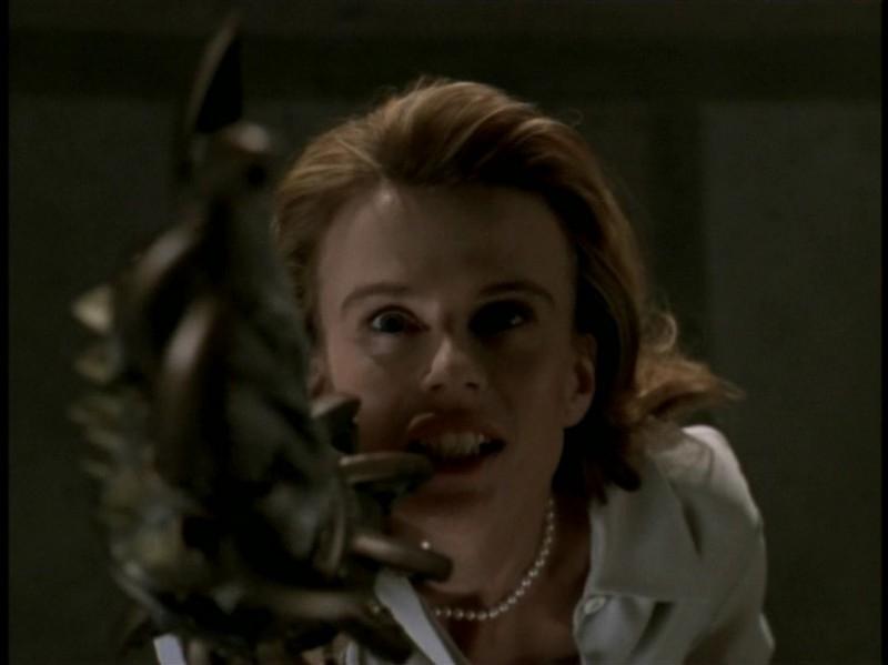 Un'immagine tratta dall'episodio 'Rivelazioni' di Buffy - L'ammazzavampiri