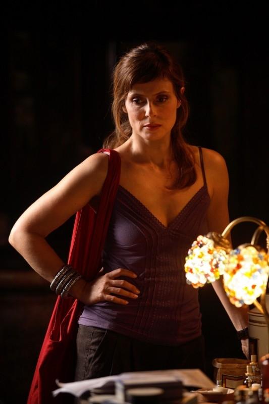 Aitana Sanchez-Gijon in una sequenza di Parlami d'Amore