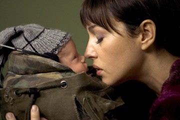 Monica Bellucci in un'immagine del film Shoot 'Em Up