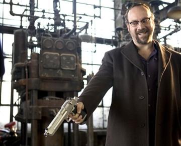 Paul Giamatti in una immagine di Shoot 'Em Up