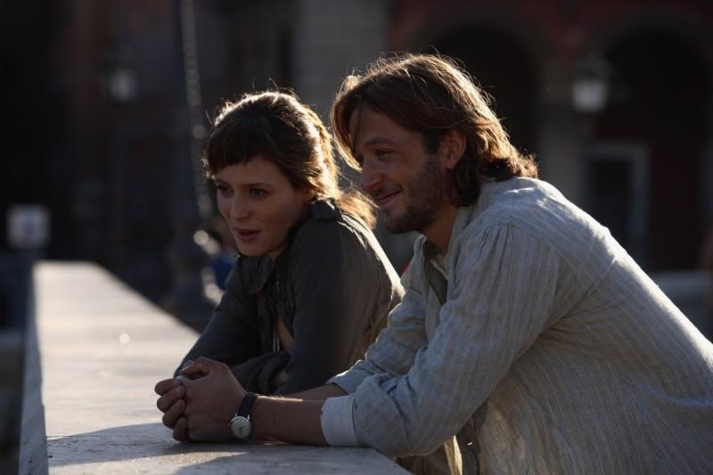 Silvio Muccino con la giovane attrice Aitana Sanchez-Gijon in una sequenza di Parlami d'Amore