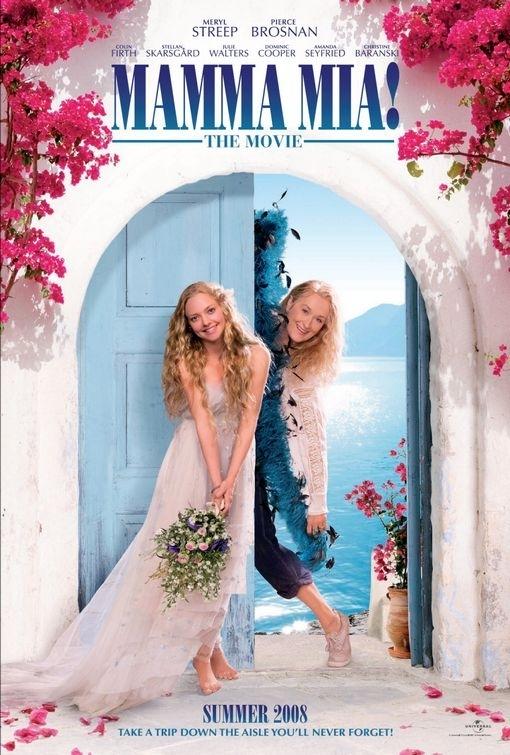 La locandina di Mamma Mia! con la Seyfried e la Streep