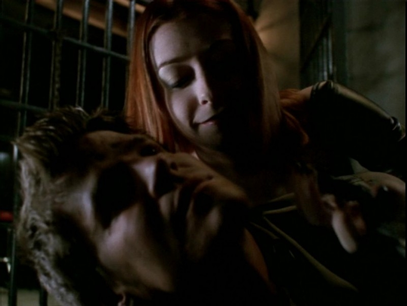 Alyson Hannigan e David Boreanaz in una scena dell'episodio 'Il desiderio' di Buffy - L'ammazzavampiri