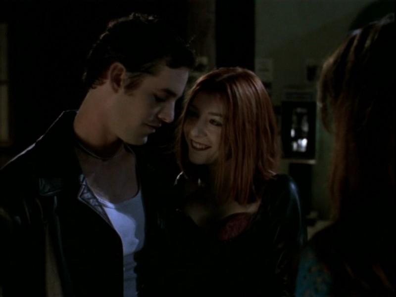 Alyson Hannigan e Nicholas Brendon in una scena dell'episodio 'Il desiderio' di Buffy - L'ammazzavampiri