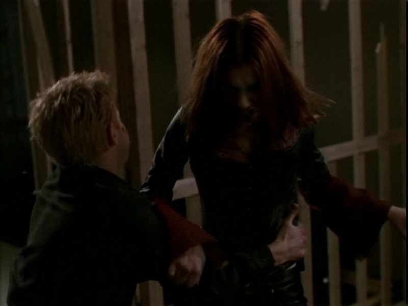 Alyson Hannigan e Seth Green in una scena dell'episodio 'Il desiderio' di Buffy - L'ammazzavampiri