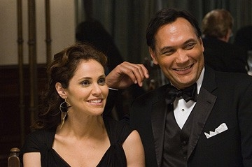 Amy Brenneman e Jimmy Smits in una sequenza del film Il club di Jane Austen