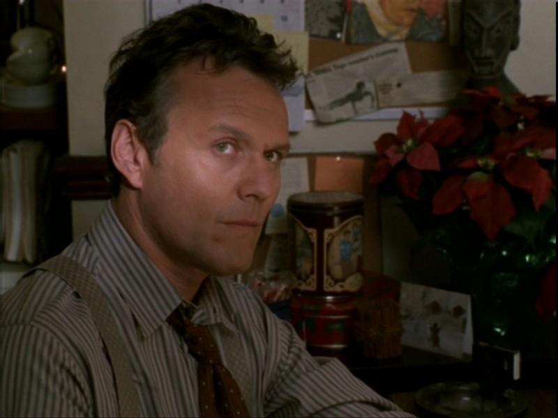 Anthony Head in una sequenza dell'episodio 'Espiazioni' di Buffy - L'ammazzavampiri