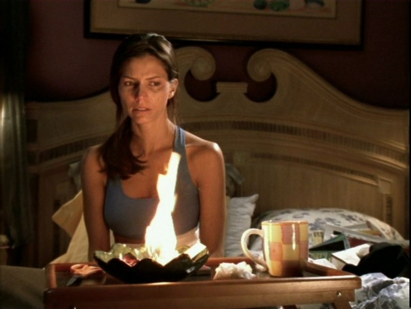 Charisma Carpenter in una scena dell'episodio 'Il desiderio' di Buffy - L'ammazzavampiri