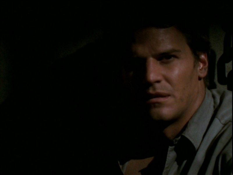 David Boreanaz in una scena dell'episodio 'Il desiderio' di Buffy - L'ammazzavampiri