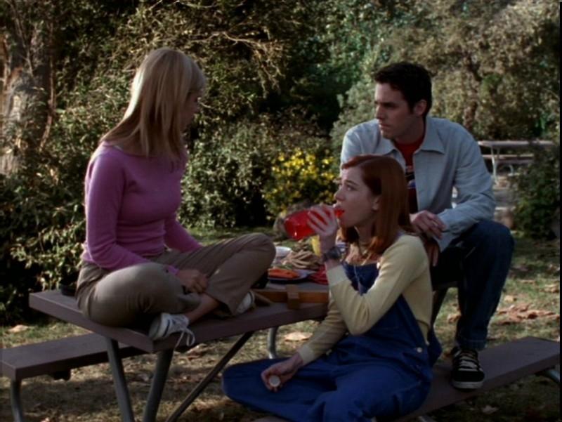 Sarah Michelle Gellar, Alyson Hannigan e Nicholas Brendon in una scena dell'episodio 'Il desiderio' di Buffy - L'ammazzavampiri