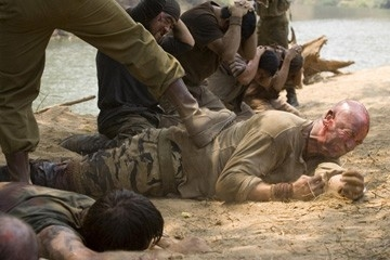Tim Kang e Graham McTavish in una scena di John Rambo