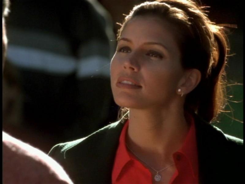 Charsima Carpenter in una scena dell'episodio 'Il giorno dell'Apocalisse' di Buffy - L'ammazzavampiri
