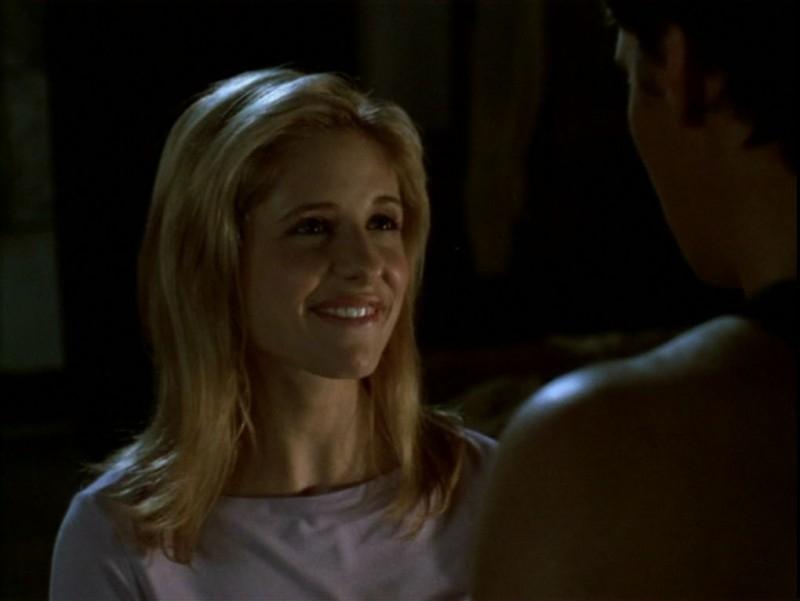 Sarah Michelle Gellar in una scena dell'episodio 'Compleanno di terrore' di Buffy - L'ammazzavampiri