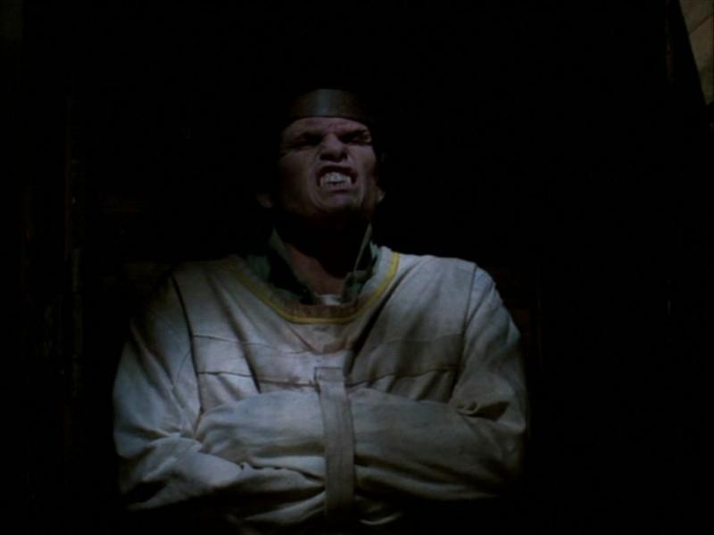 Una scena dell'episodio 'Compleanno di terrore' di Buffy - L'ammazzavampiri