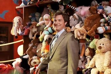 Jason Bateman in una scena del film Mr. Magorium e la bottega delle meraviglie