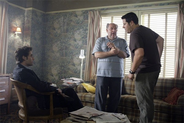 Heroes Volume II - Episodio 5: Matt (Greg Grunberg) e Nathan (Adrian Pasdar) interrogano Maury (Alan Blumenfeld)