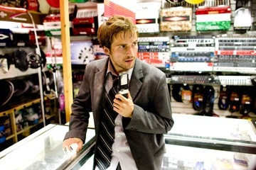 L'attore Michael Stahl-David in una scena di Cloverfield