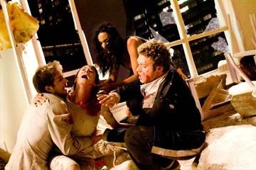 Michael Stahl-David, Odette Yustman, T.J. Miller e Jessica Lucas in una scena di Cloverfield