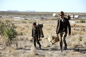 Daniel Day-Lewis con il piccolo Dillon Freasier in una sequenza de Il petroliere