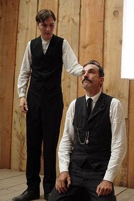 Daniel Day-Lewis con Paul Dano in una scena de Il petroliere