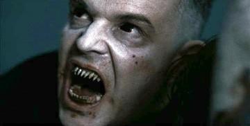 Danny Huston in una sequenza del film 30 giorni di buio.