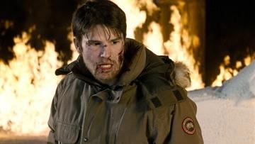 Josh Hartnett in una scena del film Trenta giorni di buio