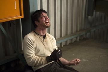 Josh Hartnett in una sequenza drammatica del film 30 giorni di buio
