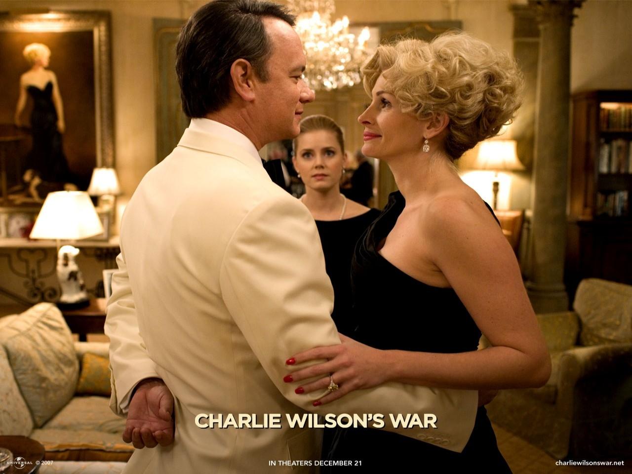 Wallpaper del film La guerra di Charlie Wilson con Hanks e la Roberts