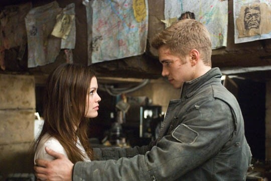 Hayden Christensen e Rachel Bilson in una sequenza del film Jumper - Senza confini