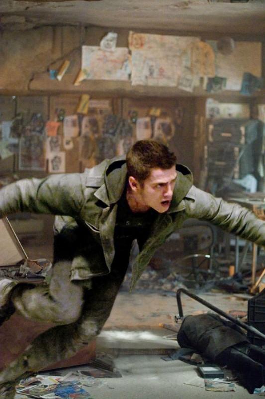 Hayden Christensen in una sequenza del fantasy Jumper - Senza confini