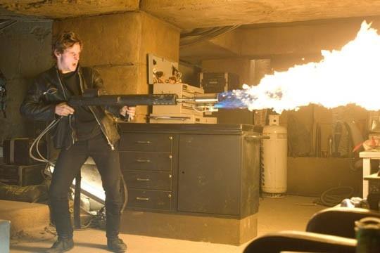 L'attore Jamie Bell in una sequenza del film Jumper - Senza confini