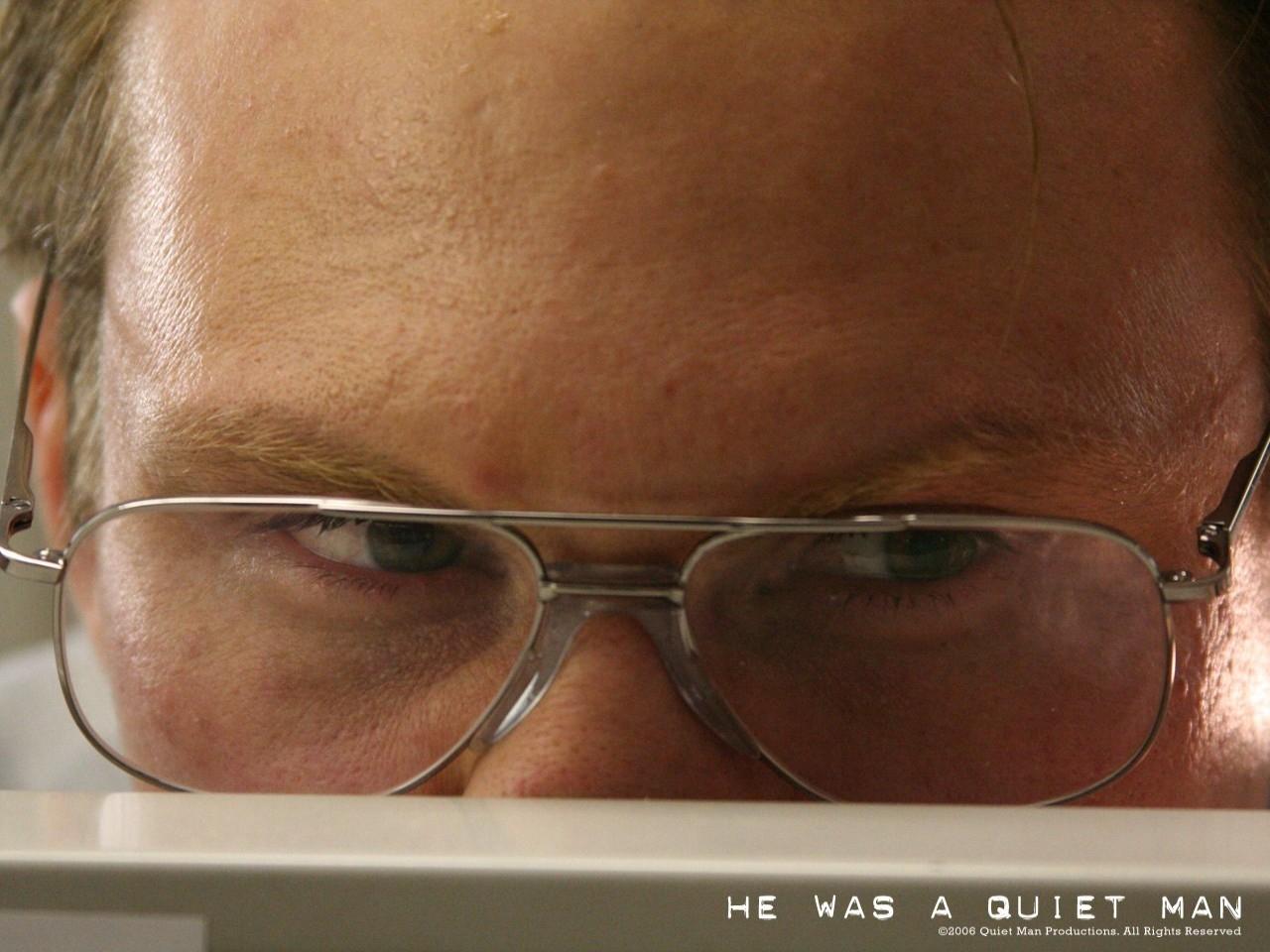 Wallpaper del film Un uomo qualunque