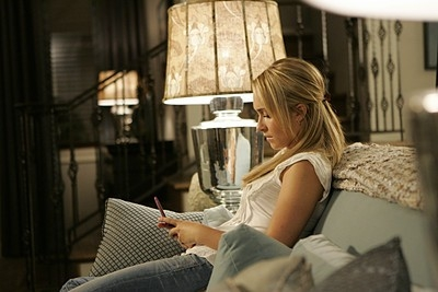 Heroes Volume II - Episodio 7: Claire (Hayden Panettiere) invia sms.