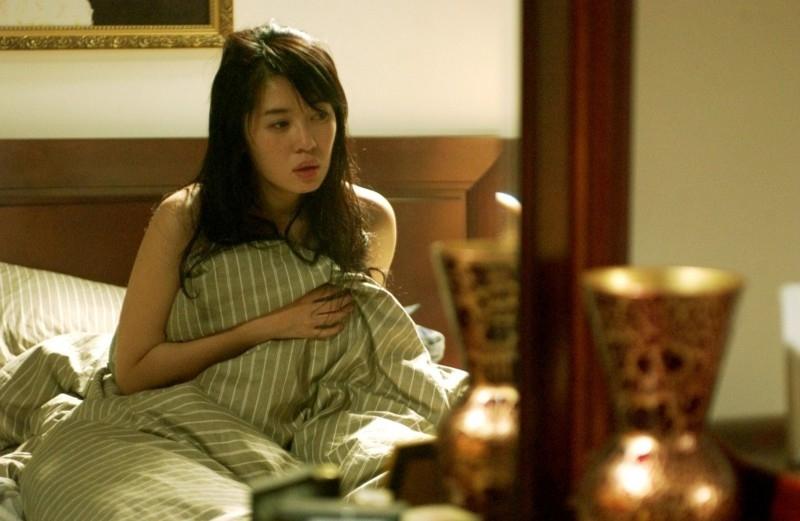Yu Nan in una scena di In Love We Trust