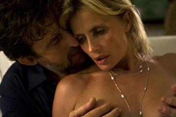 Nanni Moretti e Isabella Ferrari nella discussa scena 'calda' del film Caos Calmo