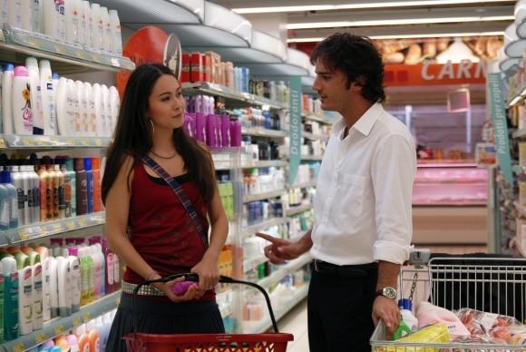 Nicolas Vaporidis con Valentina Izumì in una scena di Questa notte è ancora nostra