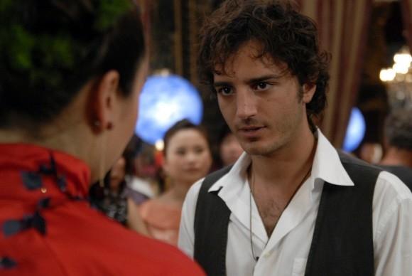 Un'immagine di Nicolas Vaporidis nel film Questa notte è ancora nostra diretto da Miniero e Genovese