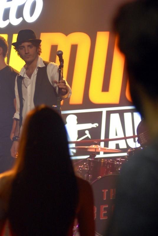 Un'immagine di Nicolas Vaporidis nel film Questa notte è ancora nostra