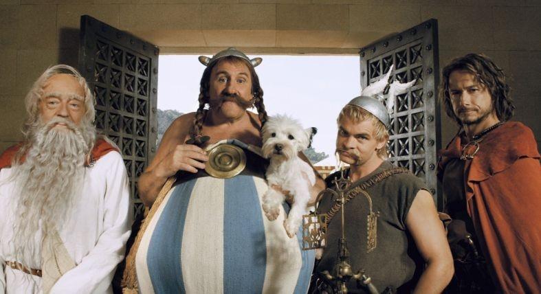 Clovis Cornillac con Gerard Depardieu in un'immagine di Asterix alle Olimpiadi