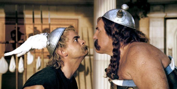 Clovis Cornillac e Gerard Depardieu in una scena di Asterix alle Olimpiadi
