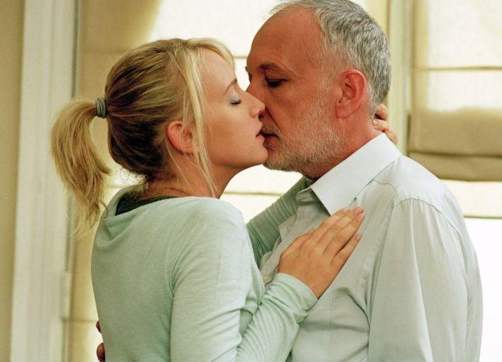 Ludivine Sagnier e François Berléand in una scena del film L'innocenza del peccato