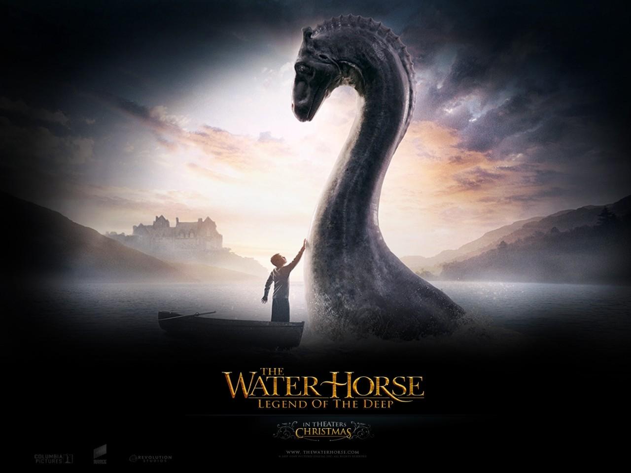 Wallpaper del film The Water Horse - La leggenda degli abissi con i due protagonisti