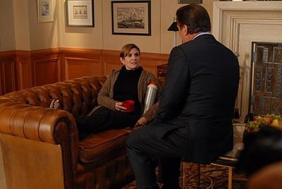 Carrie Fisher e Alec Baldwin in una scena dell'episodio 'Jack Gets in the Game' della seconda stagione di 30 Rock