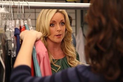 Jane Krakowski in una scena dell'episodio 'Cougars' della seconda stagione di 30 Rock