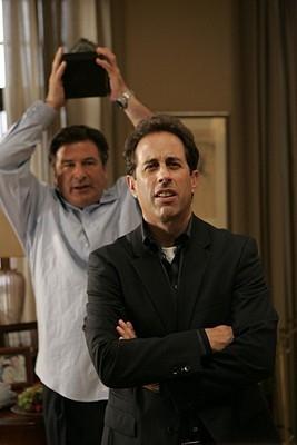 Jerry Seinfeld e Alec Baldwin in una scena dell'episodio 'Seinfeldvision' della seconda stagione di 30 Rock