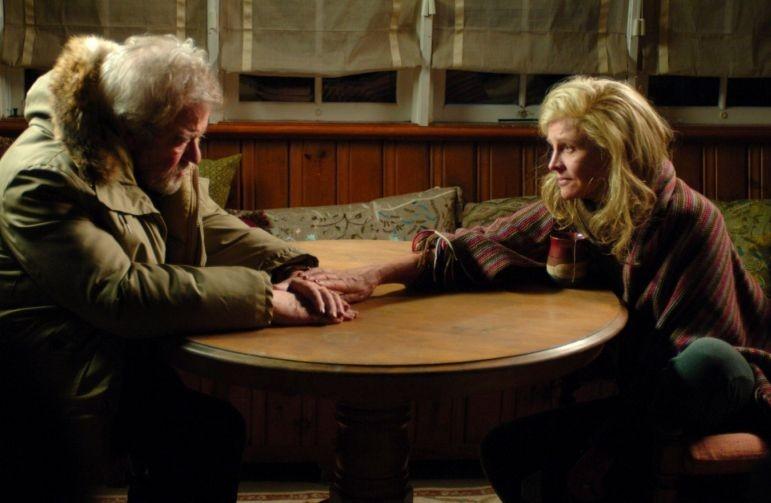 Julie Christie e Gordon Pinsent in una sequenza di Away from Her - Lontano da lei