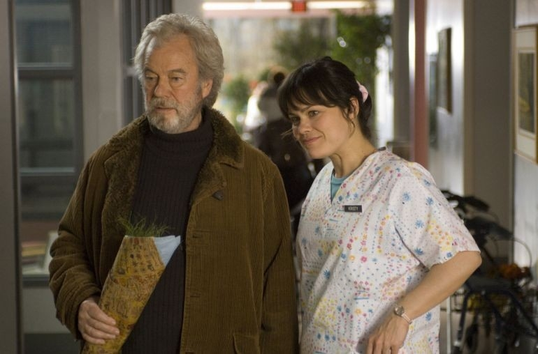 Kristen Thomson con Gordon Pinsent in una sequenza di Away from Her - Lontano da lei