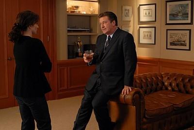 Tina Fey e Alec Baldwin in una scena dell'episodio 'Jack Gets in the Game' della seconda stagione di 30 Rock