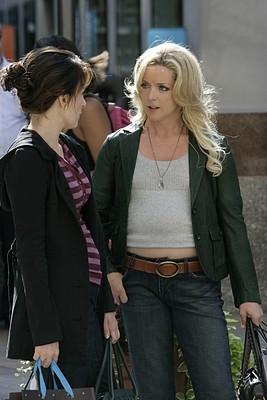 Tina Fey e Jane Krakowski nell'episodio 'Jack Gets in the Game' della seconda stagione di 30 Rock